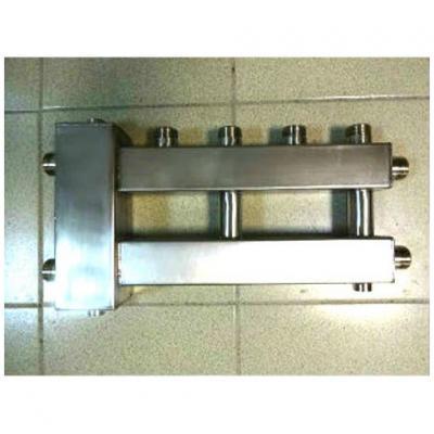 Гидрострелка с коллектором на 3 контура из нержавеющей стали (2 вниз, 1 боковой), вход 1 1/4