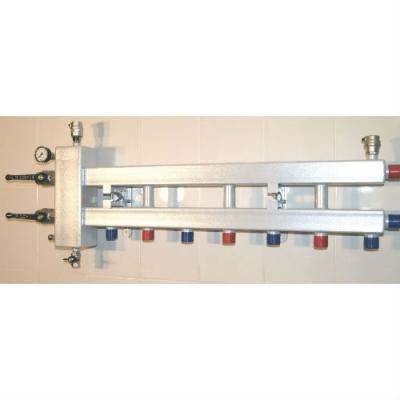 Гидрострелка с коллектором на 4 контура (3 вниз, 1 боковой), вход 1 1/4, выходы 1