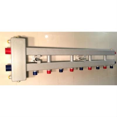 Гидрострелка с коллектором на 5 контуров (4 вниз, 1 боковой), вход 1 1/4, выходы 1